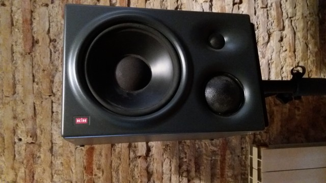 Klein & Hummel O 300D Studio Monitors (pair) - FREE STANDS!