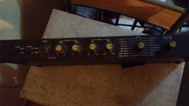 Boss digital reverb RV-1000