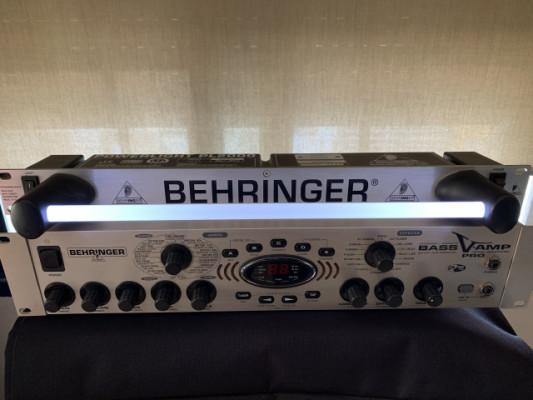 Behringer Powerlight pl2000