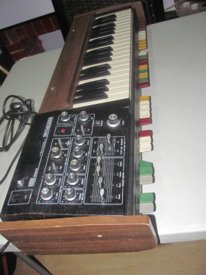 Roland SH-1000 made in Japan