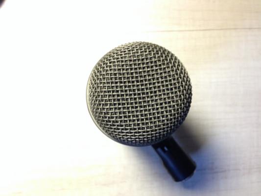 Micro de bombo Electro Voice PL-33 (EV-PL33)