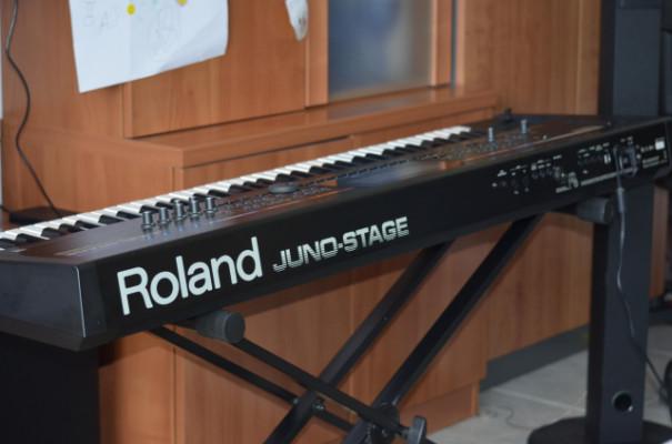 Teclado sintetizador Roland JUNO-STAGE