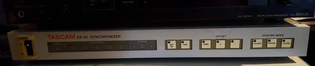 TASCAM ES-50 Synchronizer