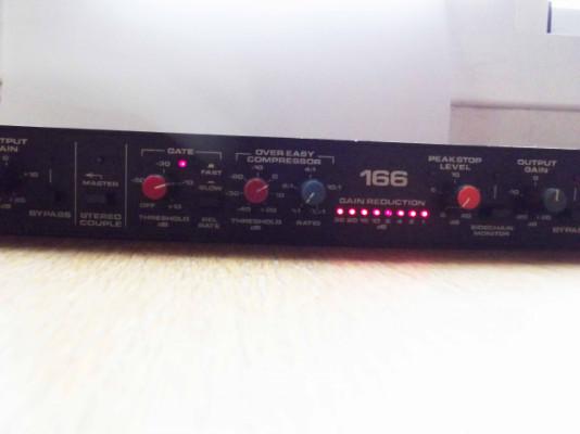 DBX 166 Compresor-Limitador-Puerta de ruido estereo