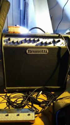 Brunetti MC2 con válvulas extras de potencia EL34