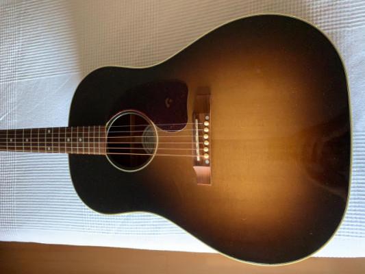 Gibson J45 (RESERVADA)