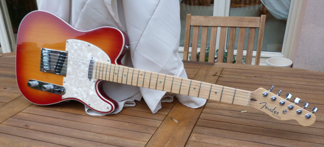 Vendo Fender deluxe telecaster americana