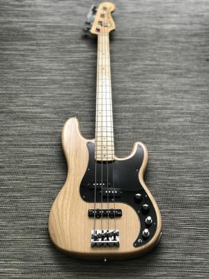 Bajo Fender Precision American Deluxe
