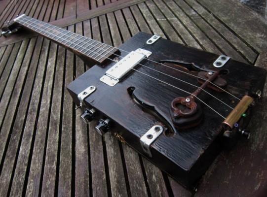 Cigar box guitars & diddley bow