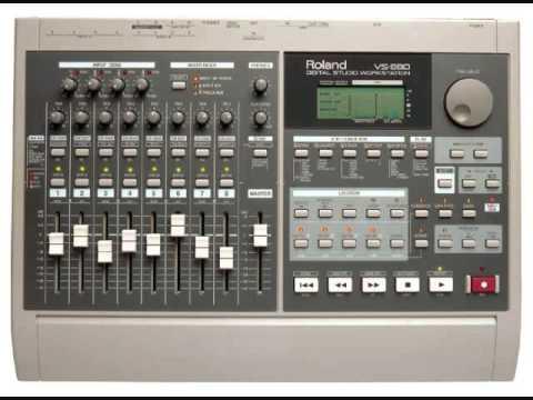 ROLAND VS-880EX Digital Studio Workstation  por Volca beats o Boss DR-220