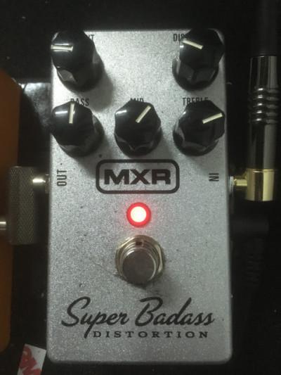 Pedal Distorsión MXR Super Badass Distortion