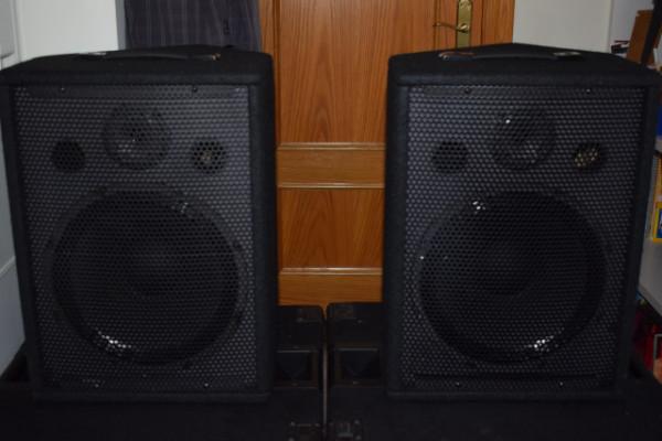 Altavoces Monitor suelo - Pequeña P.A. (Envío Gratis)