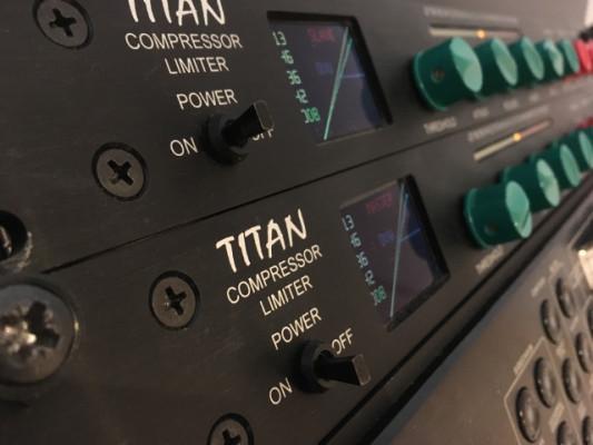 Titan Dave Hill (2 unidades)