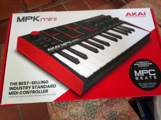 Teclado AKAI MPK Mini