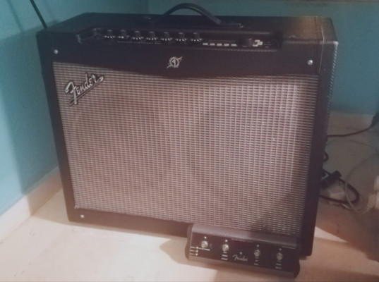 Fender Mustang IV + Fender Footswitch 4-Button Mustang