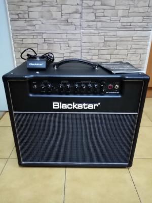 (RESERVADO) Blackstar HT20 studio combo