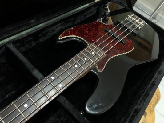 Fender Deluxe Jazz Bass '99 MIM
