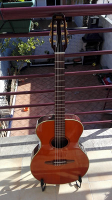 Guitarra clasica electro acústica Yamaha