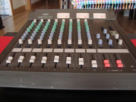 Mesa de mezclas Yamaha MC 802