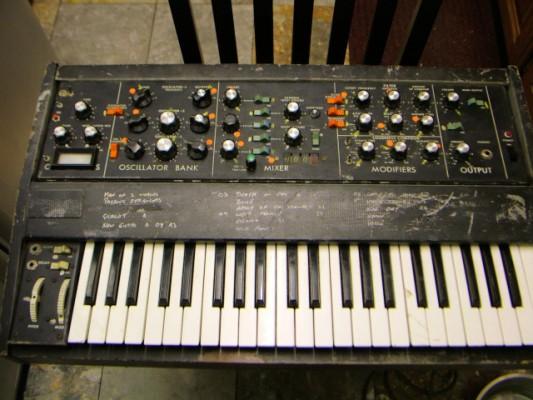 Compro sintetizadores antiguos averiados