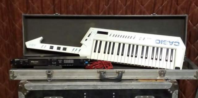 Keytar Casio AZ-1