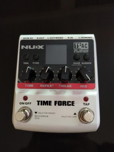 Vendo  delay / looper Nux Time Force