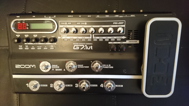 Zoom G7.1ut Guitar Multi Effect with Tube Circuit