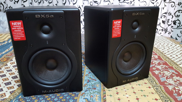 Monitores M-Audio BX5a Deluxe