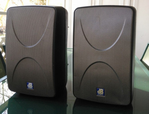 Mini-monitores autoamplificados - 300w - MINIBOX K300 Db Technologies