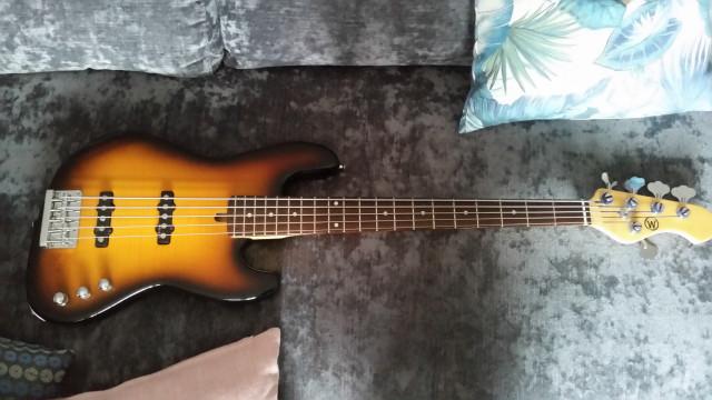 Cambio Bajo Windmill Jazz Bass Custom