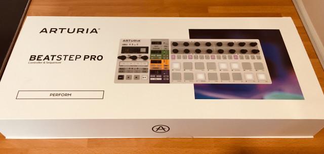 Arturia Beatstep Pro (en garantía hasta 27/2/2020)