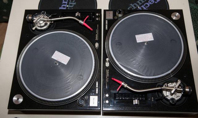 Pareja technics m5g , Pioneer Djm 700 , Krk rp6g3