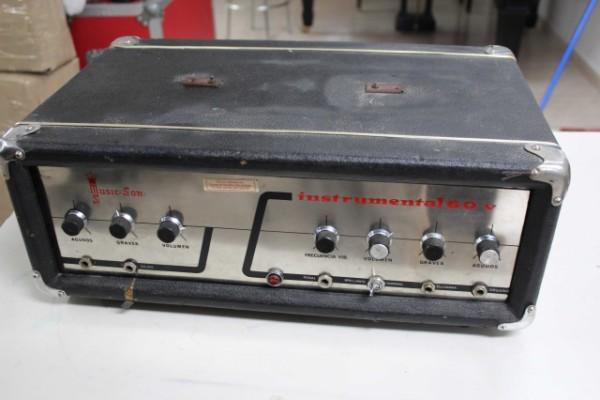 Amplificador Musicson Instrumental 60v a revisar años 60