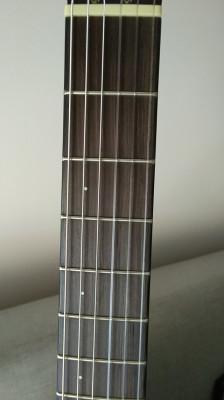 Guitarra clásica cuerpo sólido