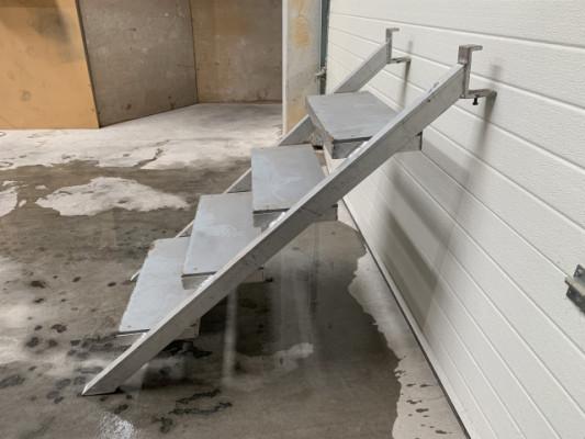 Se vende escalera para tarimas