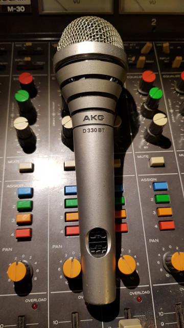 """Akg""""D330BT"""" (Leer)"""