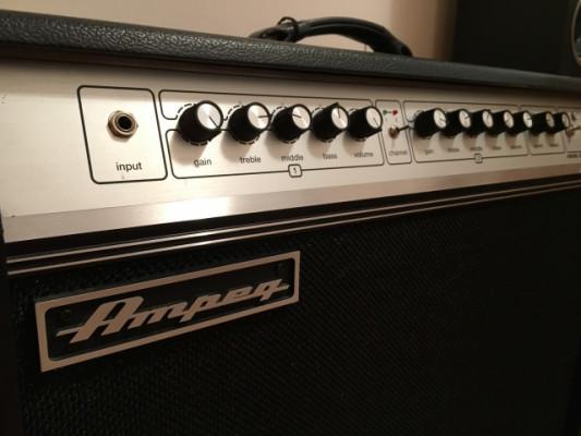 AMPEG GVT52 -212 (Amp. Guitarra)