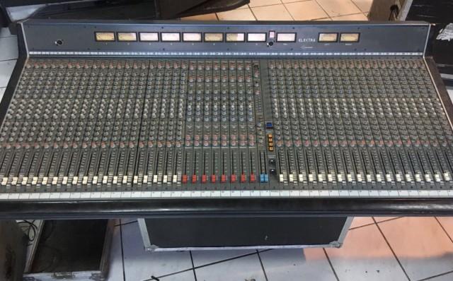 Altair Electra 40Ch - Mesa de Sonido