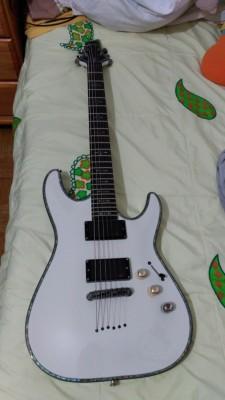 Cambio schecter hellraiser por guitarra de siete cuerdas superstrato
