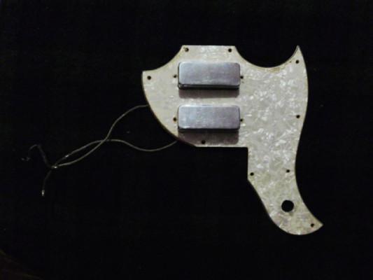 Par de mini humbucker Gibson PAT# con Golpeador nacar SG DELUXE