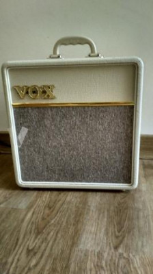 Amplificador VOX AC4C1