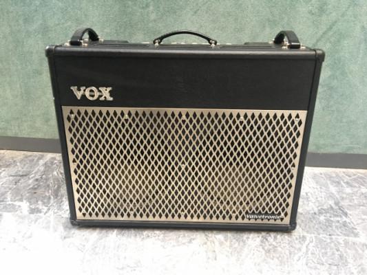 VOX VT100 + pedalera