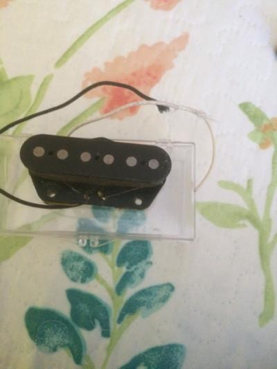 Vendo pastilla Fender Telecaster puente