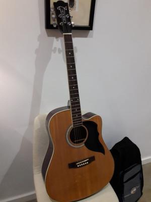 Guitarra acustica EKO