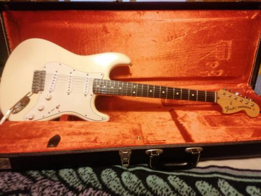 Vendo Fender Stratocaster Vintage 70`s