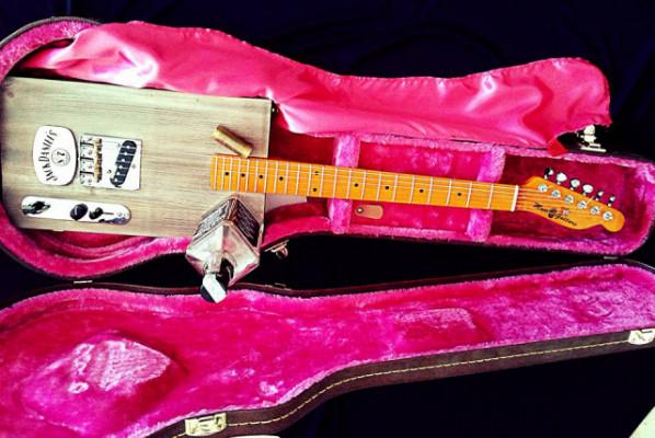 REBAJON!!Cigar box Telecaster guitar tributo Bo Didley