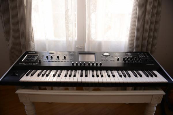 V-SYNTH GT Roland (como nuevo)