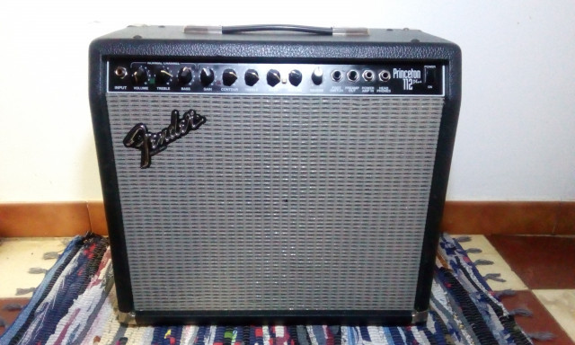 Amplificador Fender Princeton 112 plus