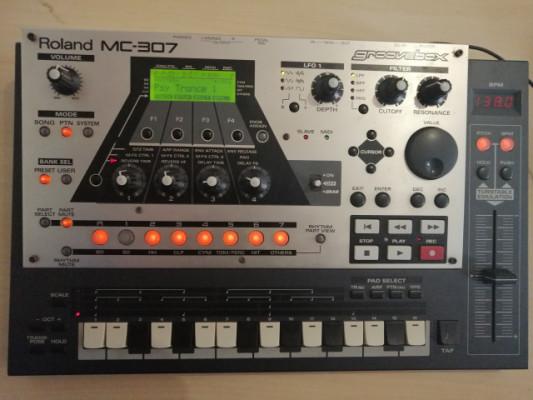 Se vende Roland MC-307
