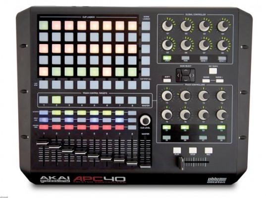 CONTROLADOR APC40 AKAI 140€ / ACEPTO CAMBIOS